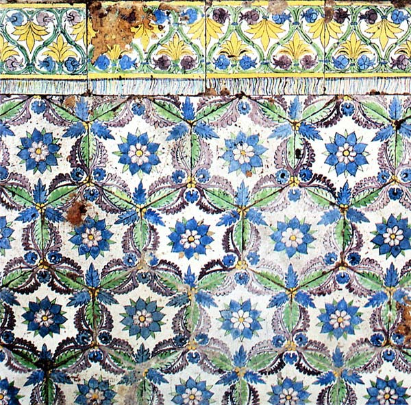 Almaviva Renaissance tiles - Ref. RC11 - Della Robbia (see keywords). Floor tiling imitating a carpet (around 1475), Saint Andrew Church, Empoli (Toscane, Italy)