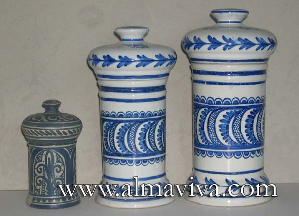 Apothicary jars - Ref. POT7 - Jars with lids. H 15, 23 et 25 cm (about 6'', 9'' and 9,8'')