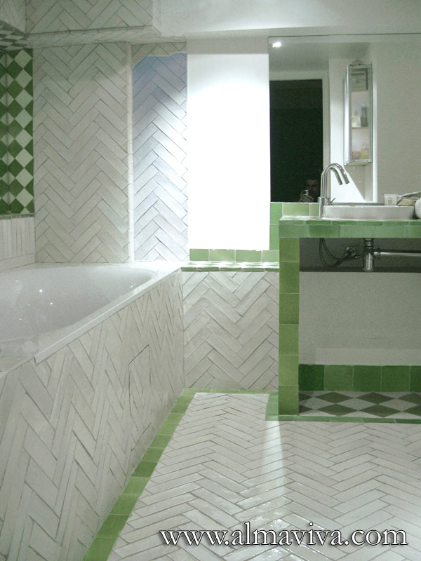 Almaviva Handmade tile - Ref. CD31 - Zellige in a bathroom. Moroccan stylen tiles