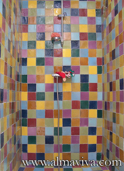 Almaviva Handmade tile - Ref. CD28 - Many-coloured shower. Plain tiles 10x10 cm (about 4''x4''), shiny glaze, various colours