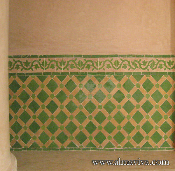Almaviva Zellige - Green panelling and frieze. The zellige (see keywords) allow a great variety of geometric combinations