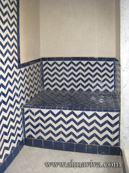 Shower with seat, chevrons white and blue