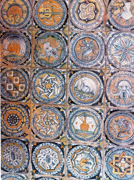 Almaviva Renaissance tiles - Ref. RC05 - Pavement Venice. Maiolica (see keywords) from San Sebastiano Church in Venice, around 1510