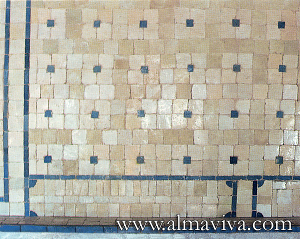 Almaviva Handmade tiles - Ref. CD39 - White and blue geometric pattern