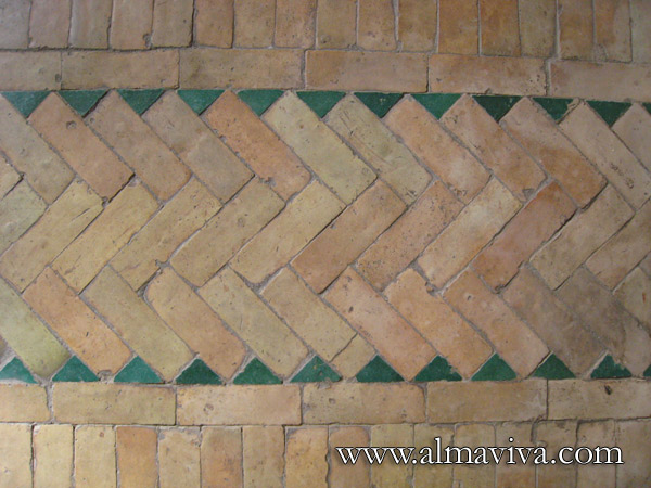 Bejmat. Terracotta and glazed bricks, arranged in a geometric pattern